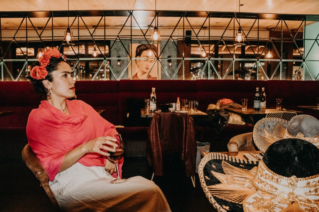 Dinner with Frida - by Papaya Stories